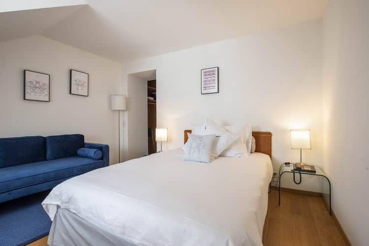 LES 2 DOUBLESChambre confortable   /   Lit 140 x 200